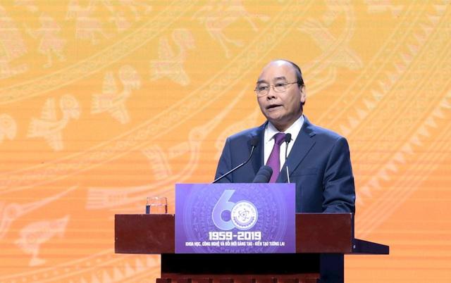 Thủ tướng: Để trở thành quốc gia đổi mới sáng tạo, việc đầu tiên phải làm là đổi mới sáng tạo cách trọng dụng con người - Ảnh 3.
