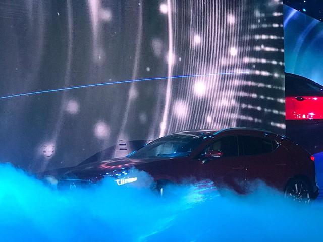 Mazda 3 thế hệ mới chính thức ra mắt giá cao nhất 939 triệu đồng - Ảnh 1.