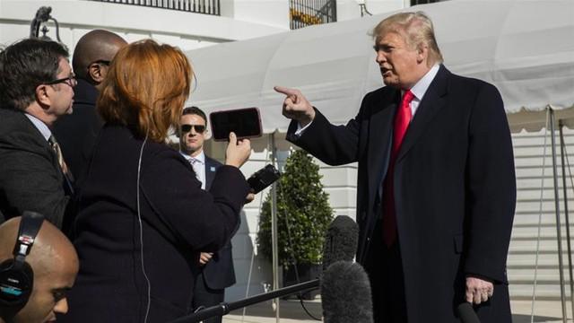 Người tố giác đáp trả sau khi Tổng thống Trump cố gắng 'lật mặt' - Ảnh 1.