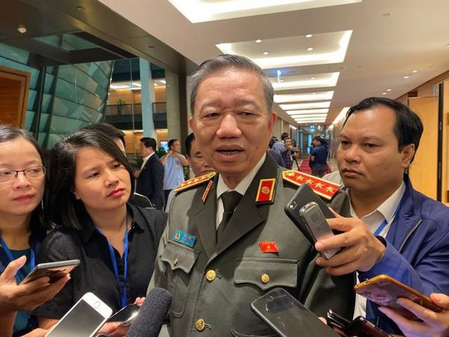 Đại tướng Tô Lâm: Đoàn Bộ Công an mang theo nhiều ADN đã đến Anh, sớm nhất 3h chiều sẽ báo cáo về - Ảnh 1.