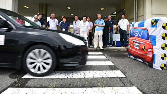 Câu chuyện về những tài xế lão niên của Nhật Bản: 70 tuổi vẫn trên từng cây số, cấm cũng dở mà để yên cũng không xong - Ảnh 4.