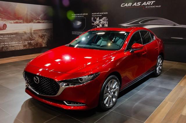 Đầu tháng 11, Mazda, BMW, Toyota, Honda... đua nhau giảm giá xả hàng - Ảnh 4.