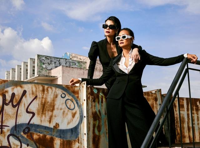 Tình bạn đặc biệt của cặp đôi siêu mẫu hàng đầu Việt Nam: 25 năm sau ngày chung sàn diễn, giờ đều là doanh nhân thành đạt, cuộc sống viên mãn! - Ảnh 1.