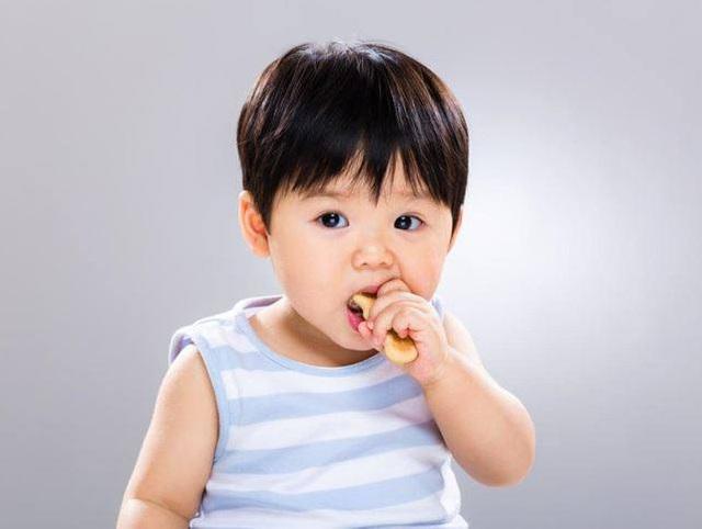 Tìm thấy chất gây ung thư gan thận, đột biến gen có trong bim bim: Nguy hiểm cho trẻ em thế nào? - Ảnh 3.