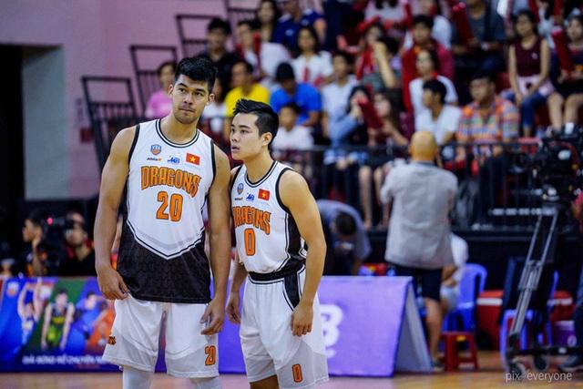 Nam thần cơ bắp của đội tuyển bóng rổ Việt Nam dự SEA Games 30: Đang học thạc sĩ tại Mỹ, trở về Việt Nam vì muốn cống hiến cho tổ quốc - Ảnh 5.