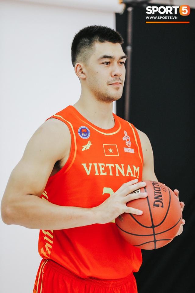 Nam thần cơ bắp của đội tuyển bóng rổ Việt Nam dự SEA Games 30: Đang học thạc sĩ tại Mỹ, trở về Việt Nam vì muốn cống hiến cho tổ quốc - Ảnh 6.