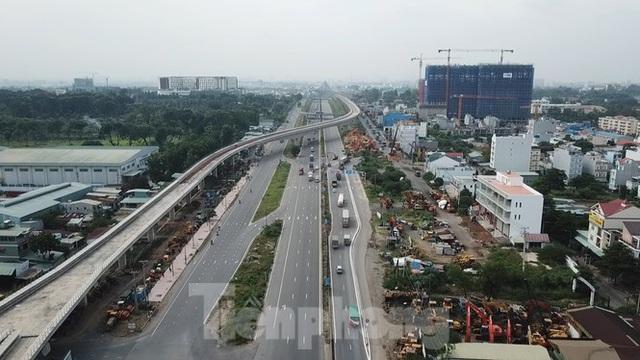Nhìn từ trên cao nút giao thông cửa ngõ phía Đông Sài Gòn vừa thông xe - Ảnh 1.