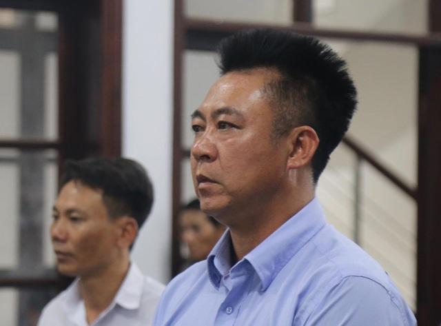Truy nã ông chủ Bavico khi bị buộc 2 tội chứa mại dâm và lừa đảo  - Ảnh 2.