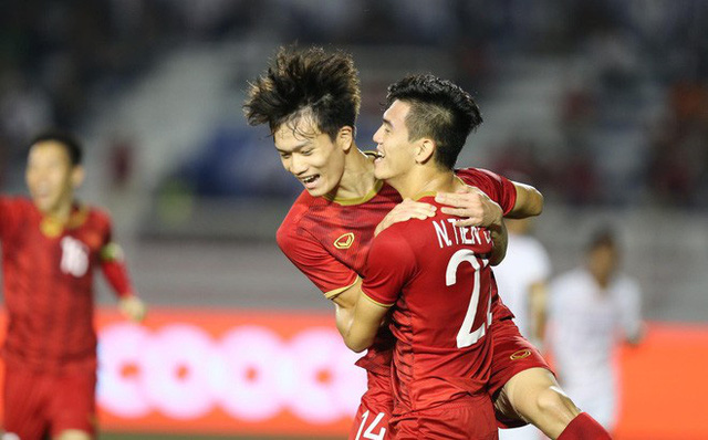 Chạy đua khuyến mại trước trận chung kết U22 Việt Nam và U22 Indonesia - Ảnh 2.