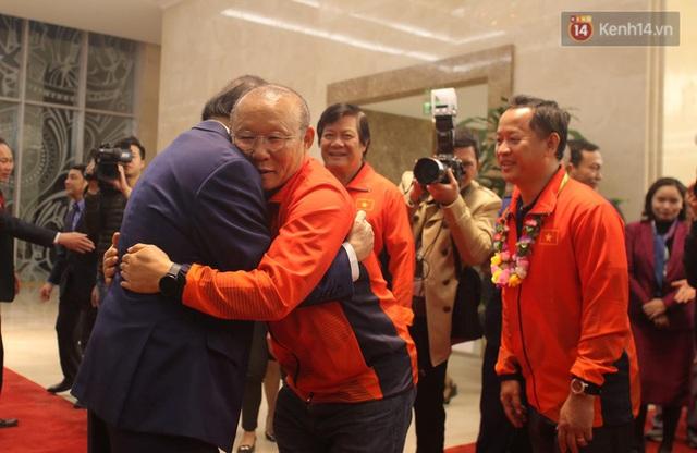 Thủ tướng Nguyễn Xuân Phúc gặp mặt và dùng bữa tối thân mật với các nhà vô địch SEA Games 30 - Ảnh 3.
