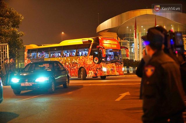 Thủ tướng Nguyễn Xuân Phúc gặp mặt và dùng bữa tối thân mật với các nhà vô địch SEA Games 30 - Ảnh 12.