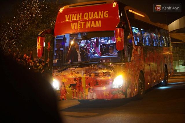 Thủ tướng Nguyễn Xuân Phúc gặp mặt và dùng bữa tối thân mật với các nhà vô địch SEA Games 30 - Ảnh 13.