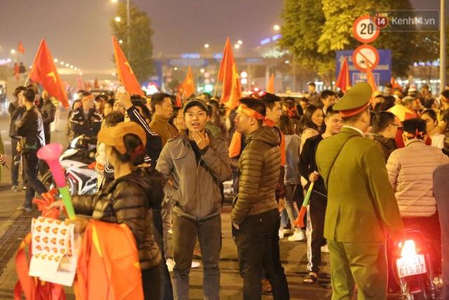 Thủ tướng Nguyễn Xuân Phúc gặp mặt và dùng bữa tối thân mật với các nhà vô địch SEA Games 30 - Ảnh 47.