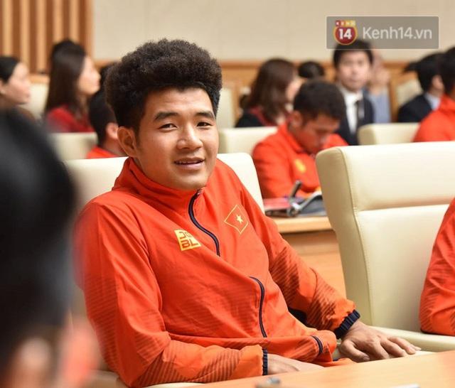 Thủ tướng Nguyễn Xuân Phúc gặp mặt và dùng bữa tối thân mật với các nhà vô địch SEA Games 30 - Ảnh 6.