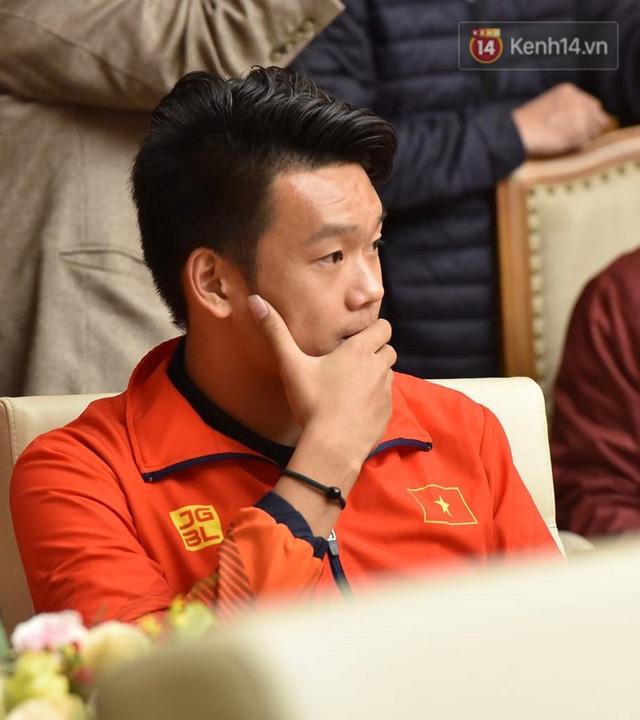 Thủ tướng Nguyễn Xuân Phúc gặp mặt và dùng bữa tối thân mật với các nhà vô địch SEA Games 30 - Ảnh 8.