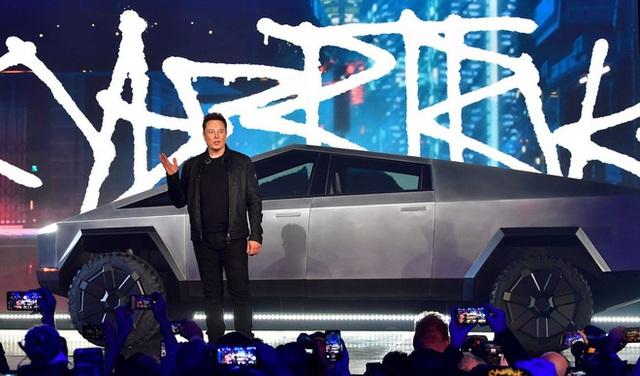 Trước Tesla Cybertruck, chỉ có duy nhất 1 chiếc xế hộp bọc thép không gỉ, được sản xuất từ tận năm 1983 - Ảnh 1.