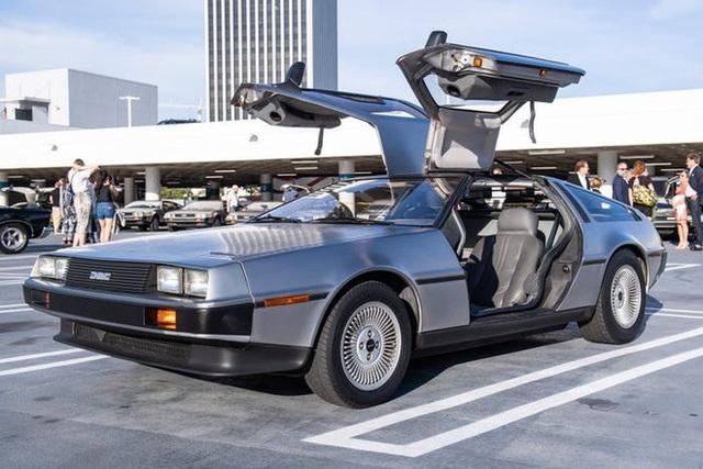 Trước Tesla Cybertruck, chỉ có duy nhất 1 chiếc xế hộp bọc thép không gỉ, được sản xuất từ tận năm 1983 - Ảnh 2.