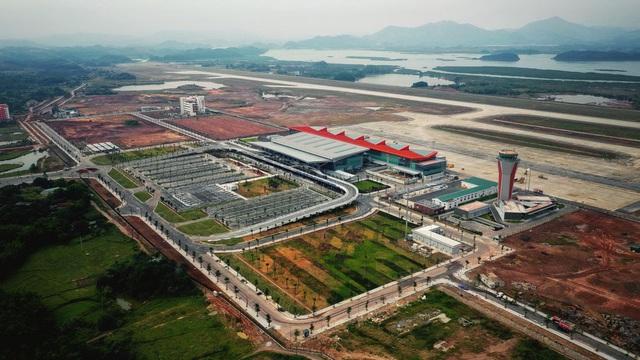 Bên cạnh Long Thành, những sân bay nào đang được kỳ vọng giải bài toán quá tải để hàng không và du lịch bứt tốc? - Ảnh 2.