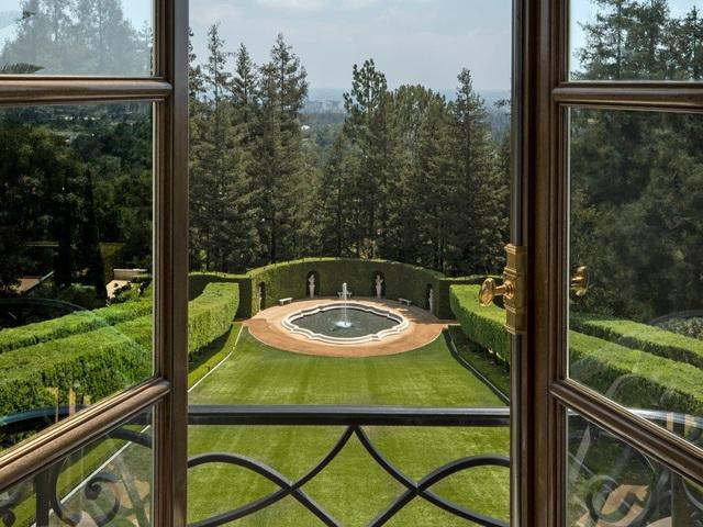Chiêm ngưỡng dinh thự 150 triệu USD đắt nhất khu nhà giàu California - Ảnh 12.