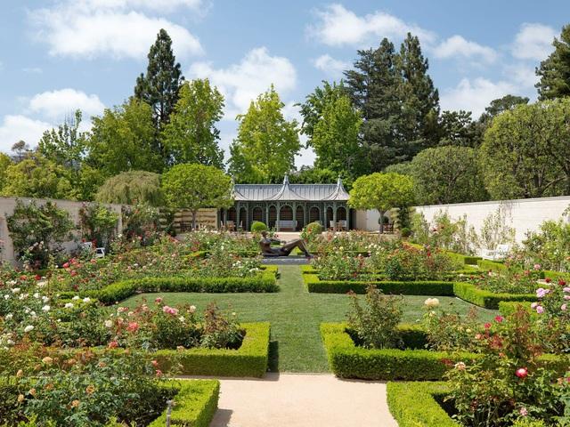 Chiêm ngưỡng dinh thự 150 triệu USD đắt nhất khu nhà giàu California - Ảnh 6.