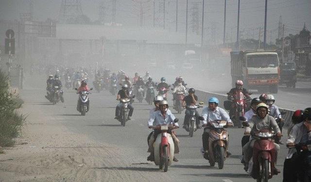 Ô nhiễm không khí ở mức nguy hại, Bộ TN&MT khuyến cáo người dân hạn chế ra ngoài - Ảnh 1.