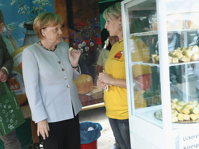 Cuộc sống đời thường giản dị tới bất ngờ của người phụ nữ quyền lực nhất thế giới: Thủ tướng Angela Merkel - Ảnh 6.