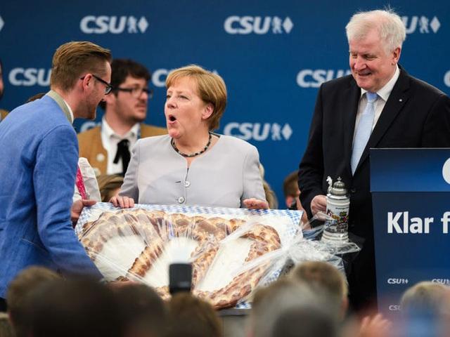 Cuộc sống đời thường giản dị tới bất ngờ của người phụ nữ quyền lực nhất thế giới: Thủ tướng Angela Merkel - Ảnh 5.