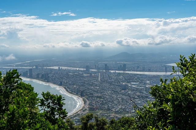 Chẳng phải những bãi biển nên thơ, đây mới là điều khiến nhà báo New York Times bị Đà Nẵng hớp hồn, khẳng định đây là thành phố đáng sống nhất thế giới - Ảnh 1.