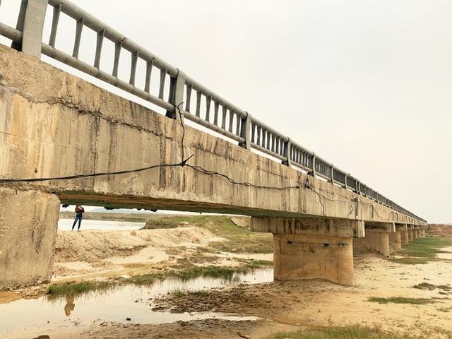 Cầu tiền tỷ lộ lõi xốp, UBND tỉnh Hà Tĩnh yêu cầu kiểm định chất lượng - Ảnh 2.