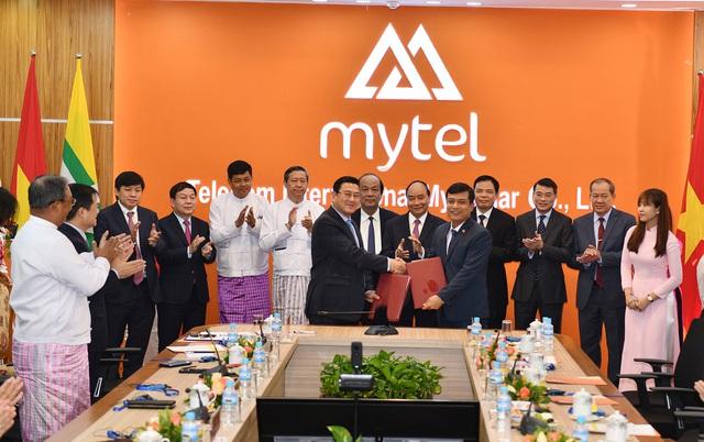 HDBank mở văn phòng giao dịch tại Myanmar, ký kết hợp tác với Viettel Global - Ảnh 1.