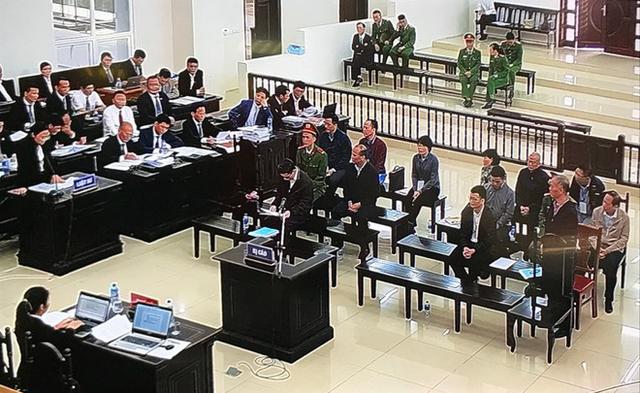 Ngày 3 xử vụ MobiFone mua AVG: Bị cáo Nguyễn Bắc Son không nhớ rõ số tiền 3 triệu USD nhận của Phạm Nhật Vũ dùng vào việc gì - Ảnh 3.