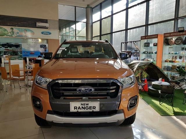 Cuối năm, ô tô đại hạ giá, thêm nhiều mẫu giảm đến 300 triệu đồng - Ảnh 3.