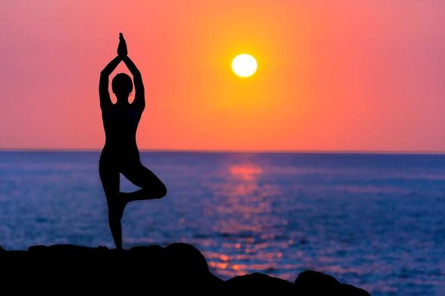 Nghiên cứu khẳng đinh: Chỉ cần 1-2 buổi tập yoga/tuần là có thể tăng hiệu suất não bộ, nâng cao chất lượng công việc và cuộc sống - Ảnh 1.