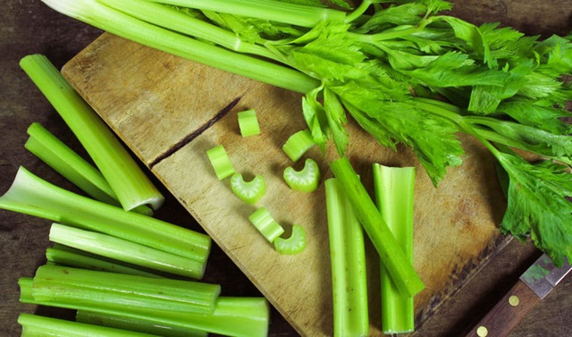 Ăn rau cần tây giúp cơ thể nhận được vô vàn những lợi ích này nhưng ít ai biết - Ảnh 1.