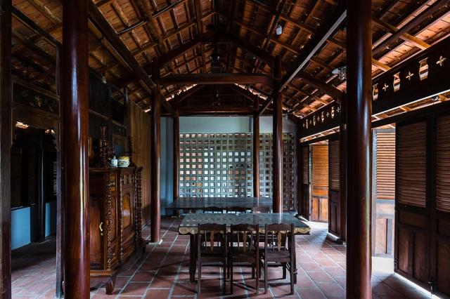 Sau phục dựng, ngôi nhà truyền thống ở Củ Chi được so sánh với ốc đảo - Ảnh 4.