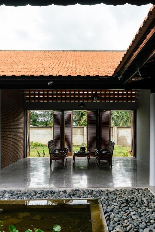 Sau phục dựng, ngôi nhà truyền thống ở Củ Chi được so sánh với ốc đảo - Ảnh 5.