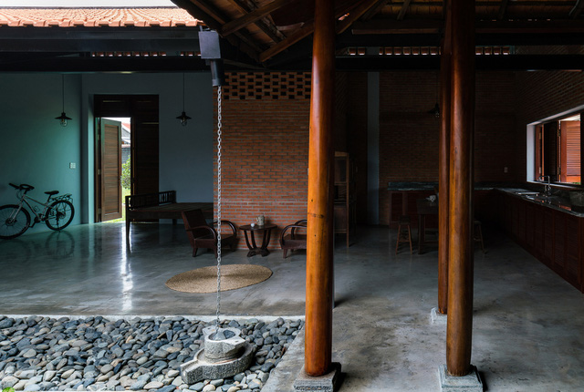 Sau phục dựng, ngôi nhà truyền thống ở Củ Chi được so sánh với ốc đảo - Ảnh 9.
