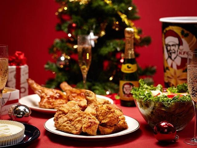 Tại sao người Nhật lại chuộng ăn KFC vào dịp Giáng sinh? Nhờ một sáng kiến đúng thời điểm từ hàng chục năm về trước - Ảnh 1.