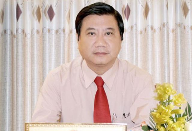 Cần Thơ: Cựu Chủ tịch quận dính sai phạm đất đai xin nghỉ hưu sớm - Ảnh 1.