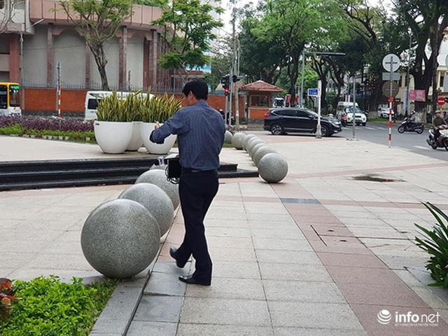 Nên di dời 43 quả cầu đá quây trước Trung tâm Hành chính TP Đà Nẵng? - Ảnh 15.