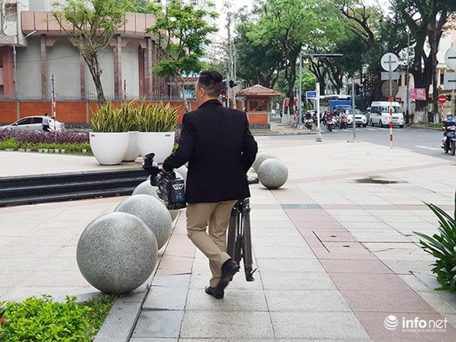 Nên di dời 43 quả cầu đá quây trước Trung tâm Hành chính TP Đà Nẵng? - Ảnh 16.