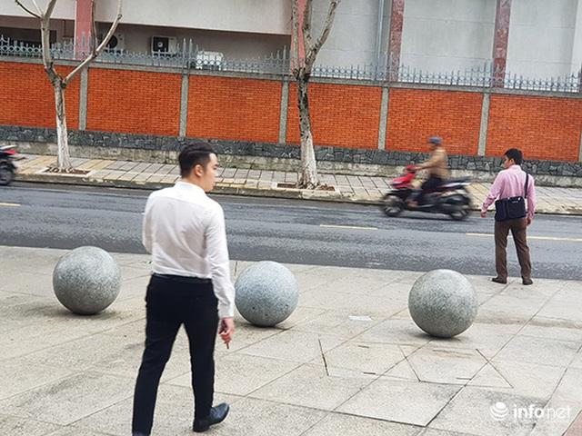 Nên di dời 43 quả cầu đá quây trước Trung tâm Hành chính TP Đà Nẵng? - Ảnh 18.