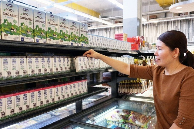Sữa tươi organic Vinamilk vào siêu thị Singapore, mở cơ hội xuất khẩu sữa tươi ra nhiều nước trên thế giới - Ảnh 2.