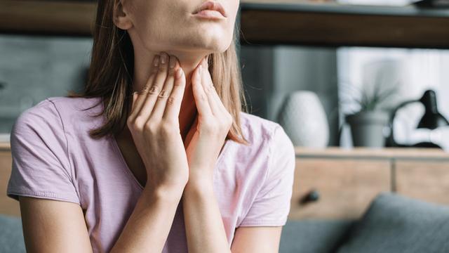 3 thay đổi lạ trên cổ ngầm cảnh báo tế bào ung thư có thể đang chực chờ trỗi dậy - Ảnh 2.
