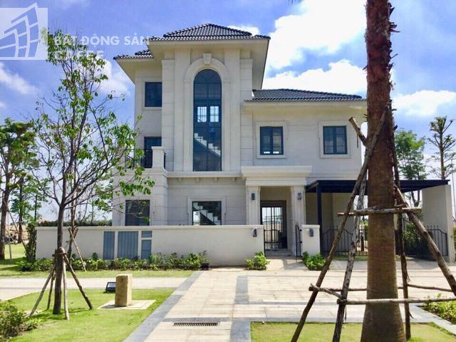 Bên trong khu dinh thự triệu đô ven sông của giới nhà giàu ở ngay canh Sài Gòn - Ảnh 3.