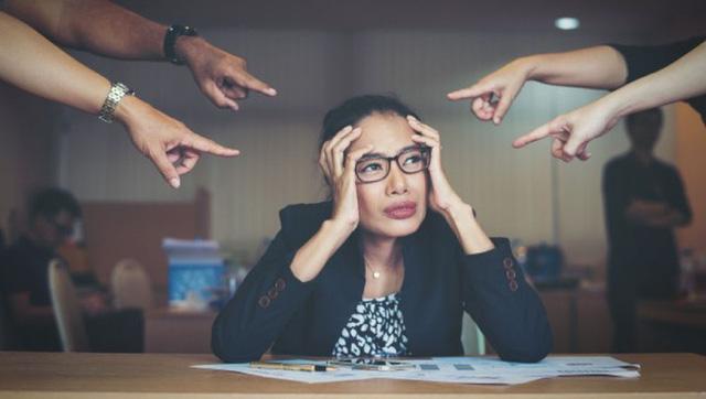Dân công sở và nỗi niềm đau đáu: Thà nhận lương thấp chứ không chấp nhận dưới trướng một người sếp tồi! - Ảnh 1.