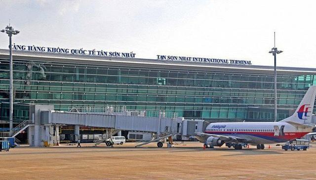 Cảnh báo thị trường hàng không bị đóng băng do sân bay Tân Sơn Nhất quá tải - Ảnh 1.