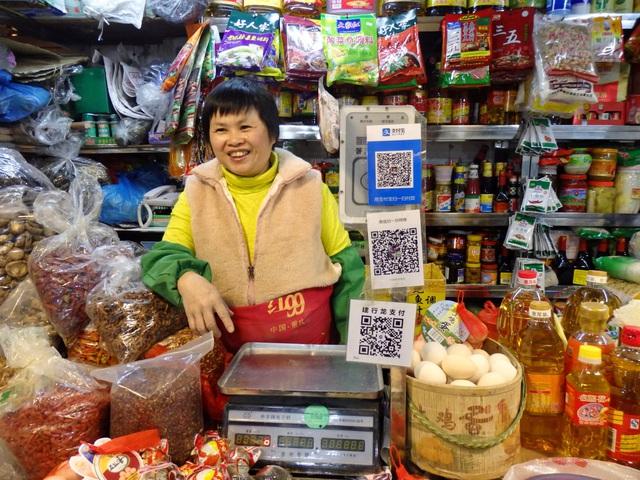 Dở khóc dở cười với xã hội không tiền mặt ở Trung Quốc: Quét mã QR đã được mở rộng cho người nước ngoài nhưng thường xuyên lỗi - Ảnh 3.