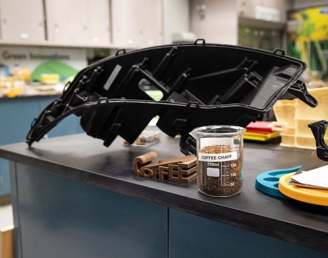 Ford và McDonald hợp tác để tái chế cà phê thành linh kiện ô tô - Ảnh 3.