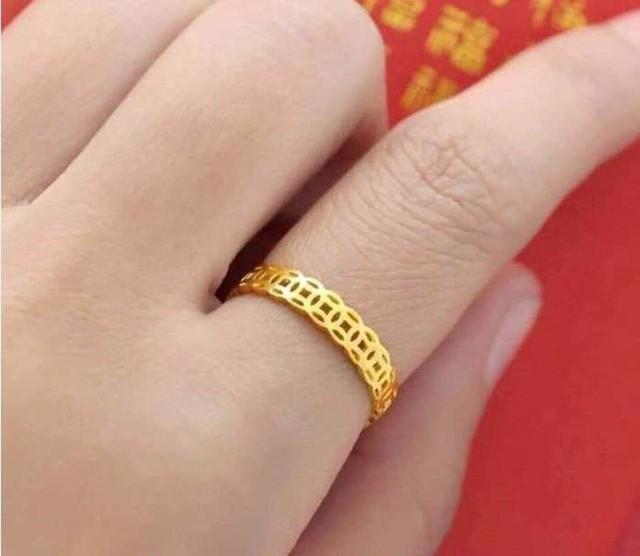 Nhẫn kim tiền, nhẫn lông voi giá rẻ rao bán rầm rầm cận ngày Vía Thần tài - Ảnh 1.